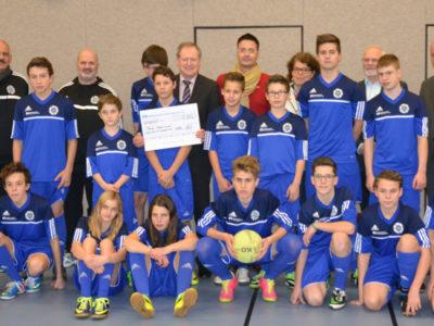 Nicolai Müller Und Die Raiffeisenbank Main-Spessart Unterstützen Fußball-Inklusionsprojekt