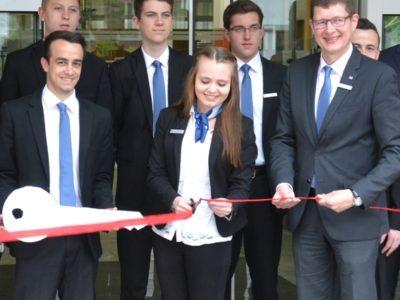 Azubis übernehmen Raiffeisenbank-Filiale In Marktheidenfeld