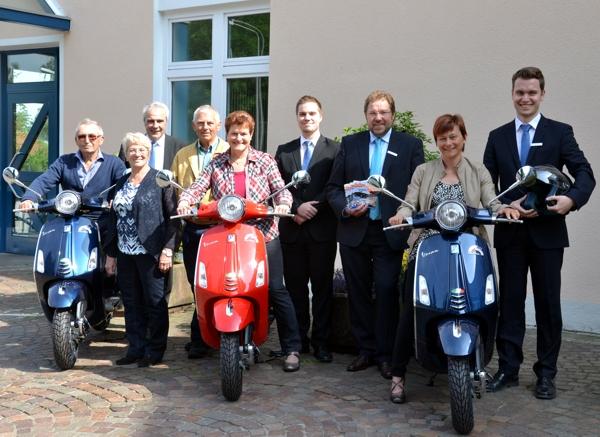 Von Links: Herbert Und Inge Schuhmann, Jürgen Gehrling, Eckard Und Renate Laumeister, Florian Mahneke, Stefan Hoffmann, Susanne Roth Und Marco Gehrling