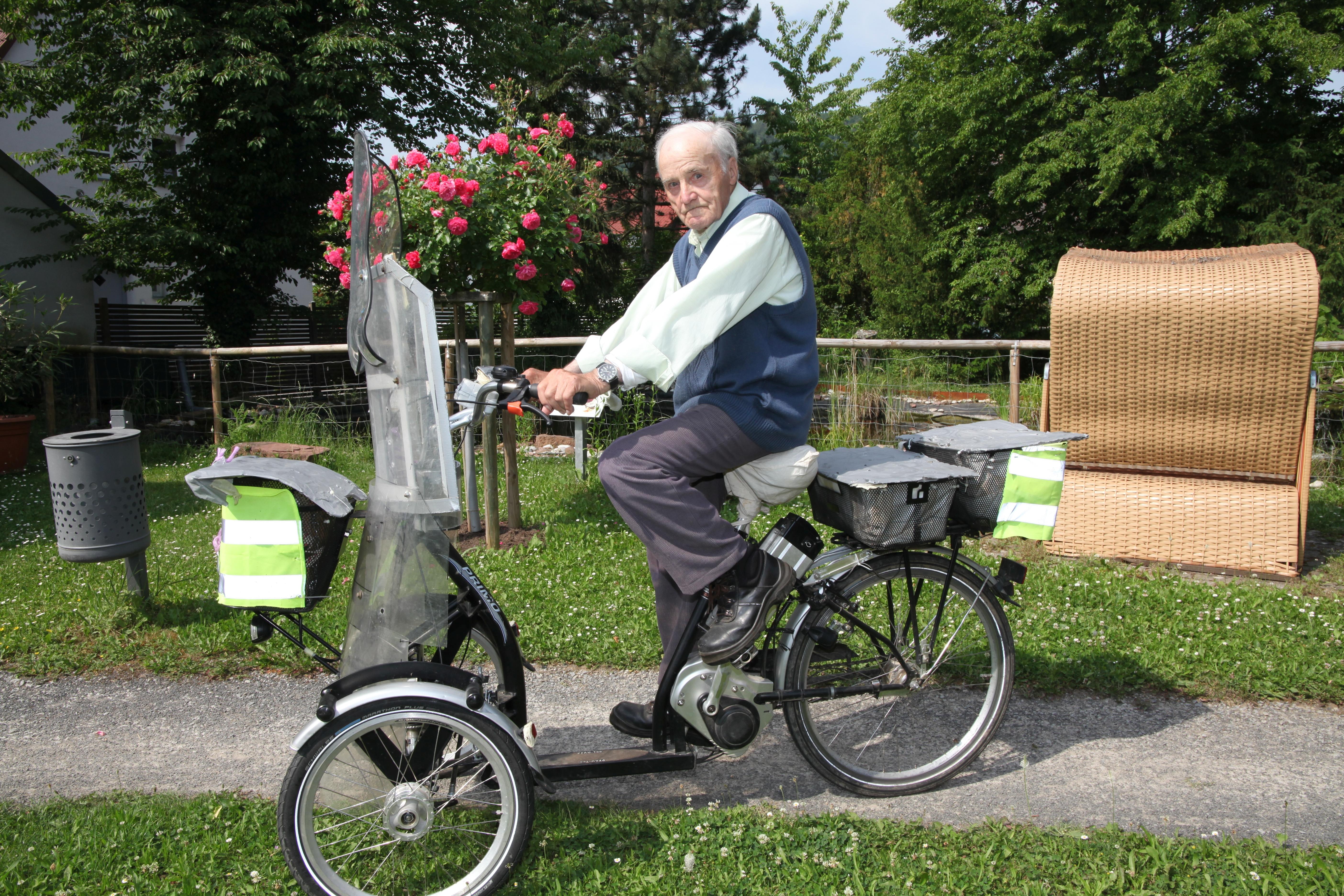 Mit Dem E-Trike Zur Obstwiese